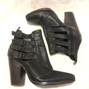 Steve Madden Rookiie heeled bootie with buckles